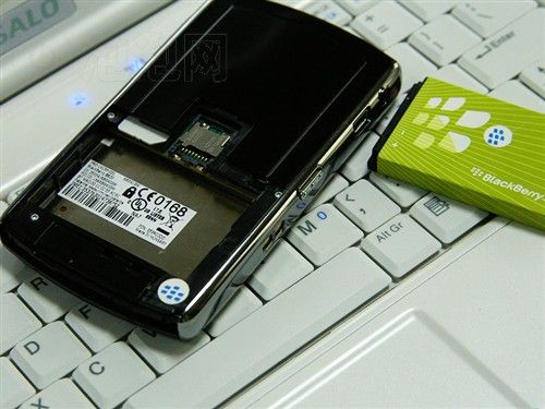 黑莓8820手机